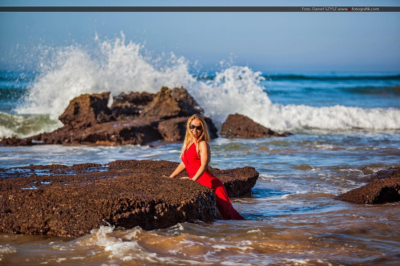 zdjęcia-w-marocco-fotografia-na-plaży-sesja-fotograficzna