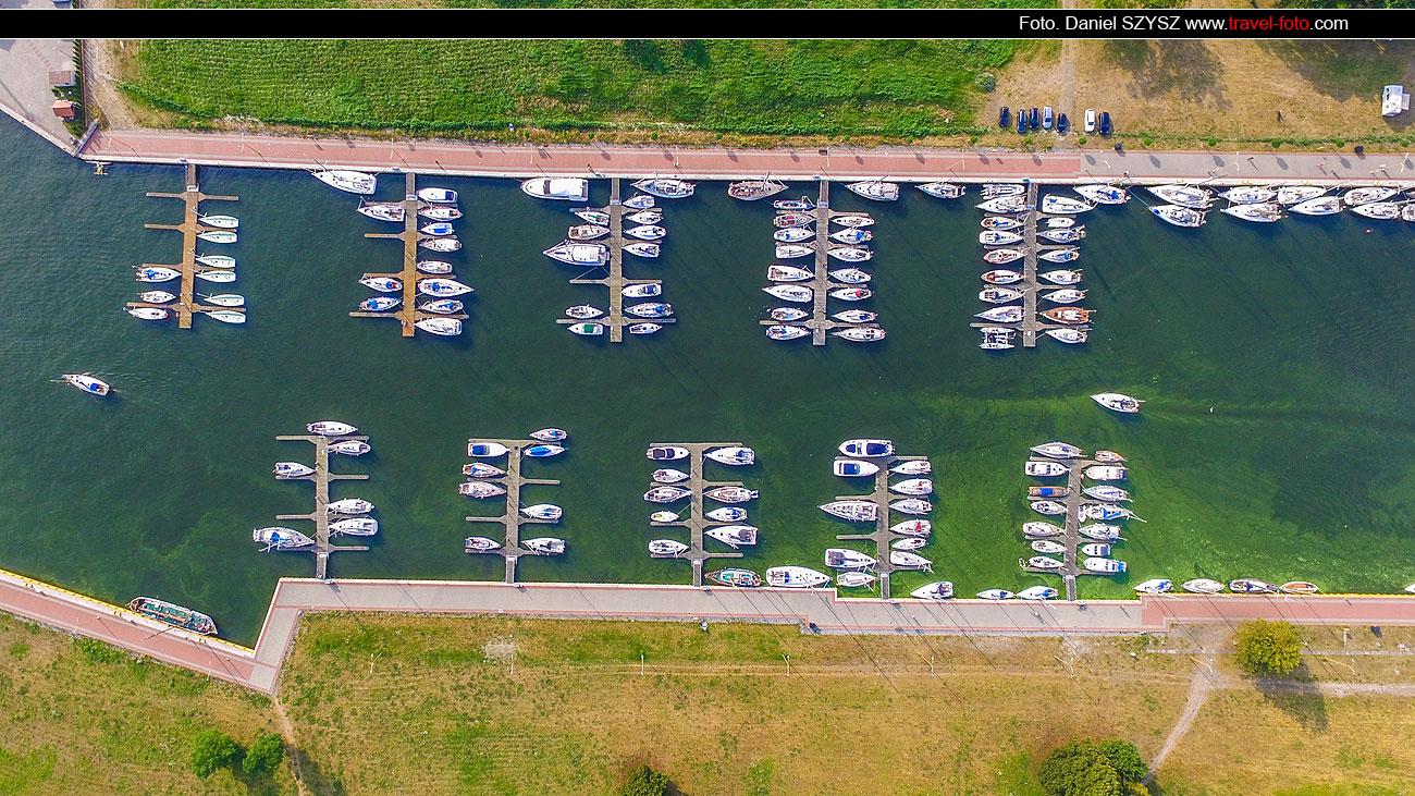 marina-w-świnoujściu-pełna-jachtów