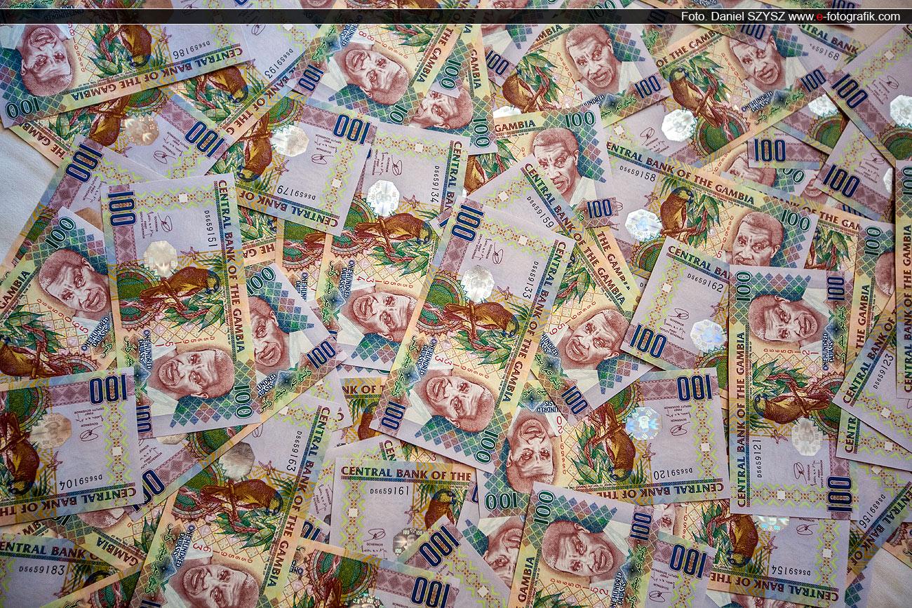 pieniądze-gambia