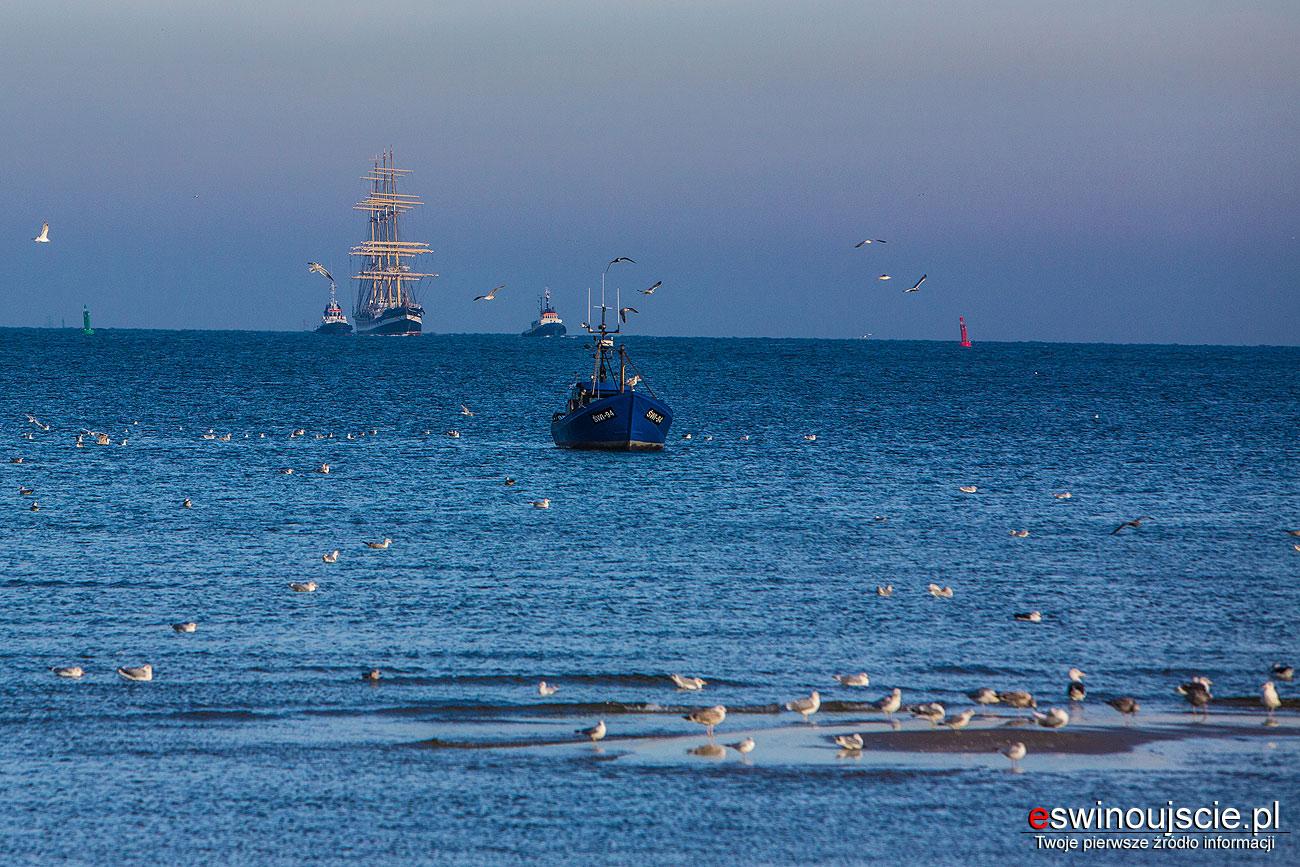 STS-Kruzensztern--na-morzu