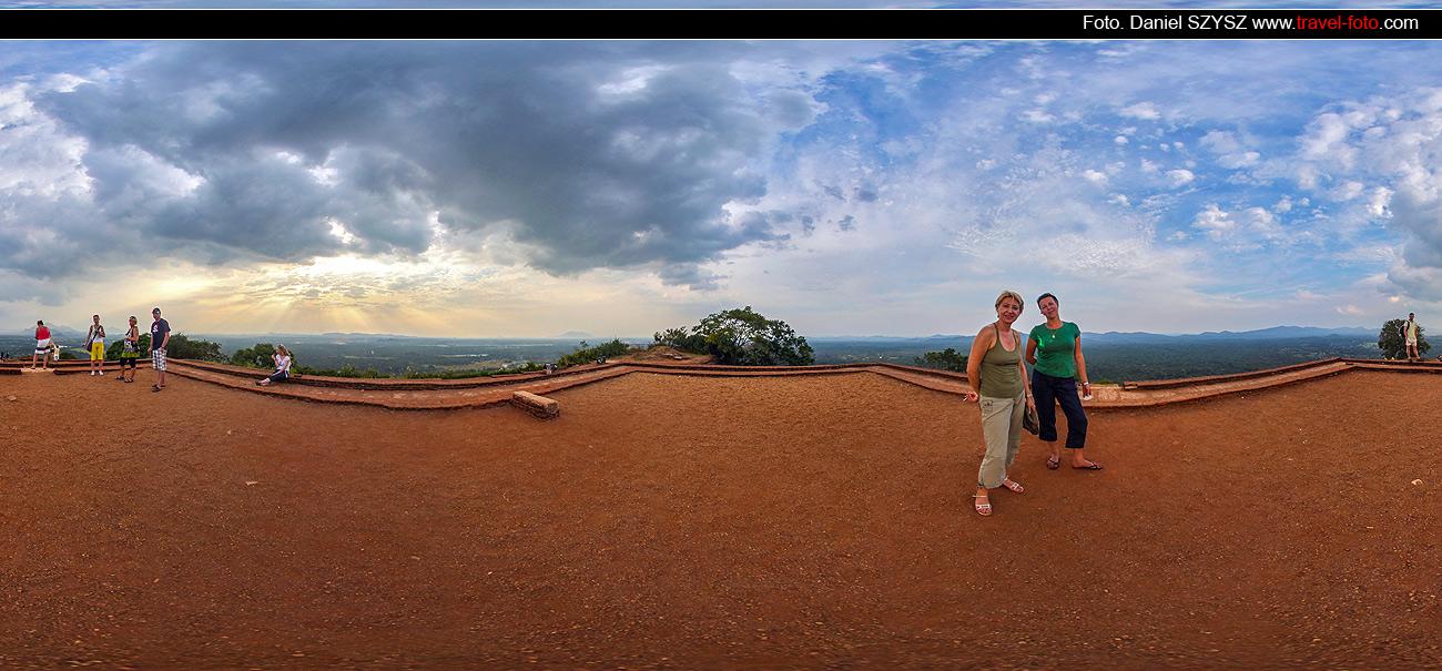 Sigiriya-Sri-lanka-szysz-góra-wakacje-szczyt