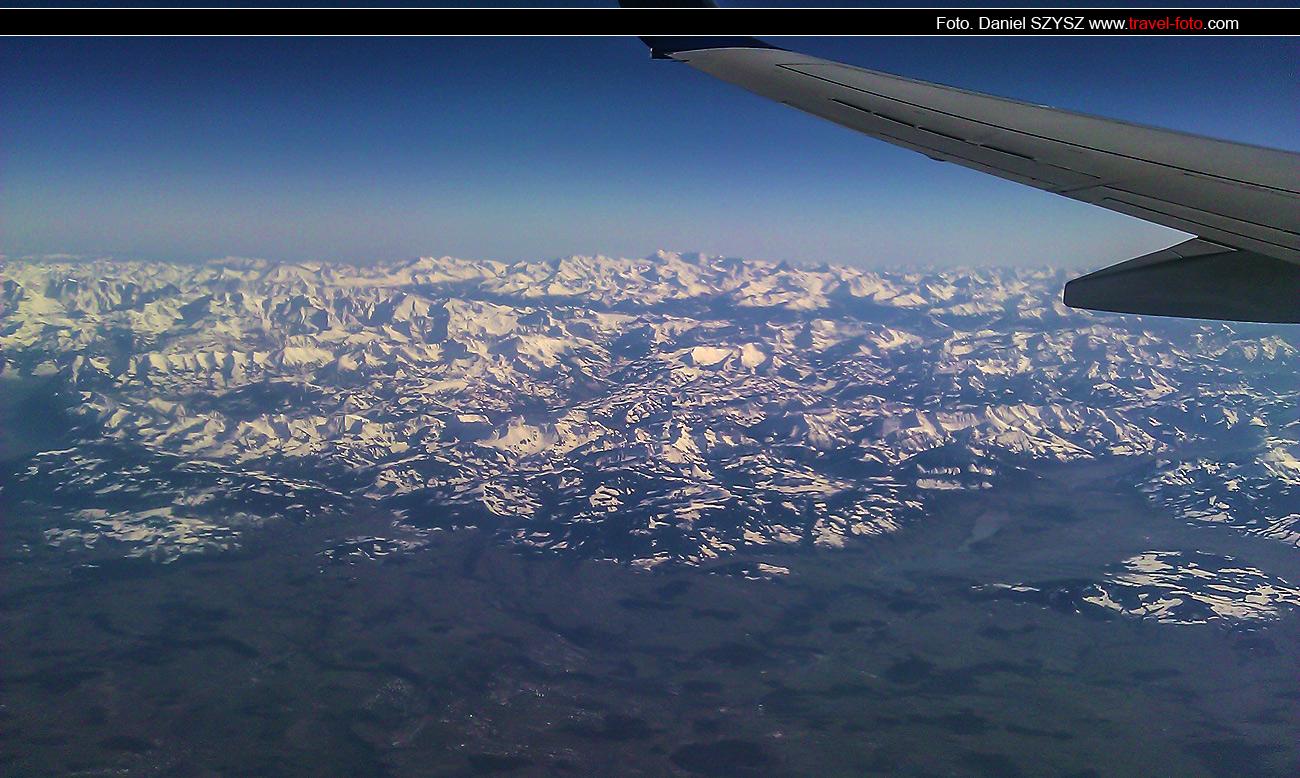 photoo-nad-szwajcarią-travel-widok-z-samolotu