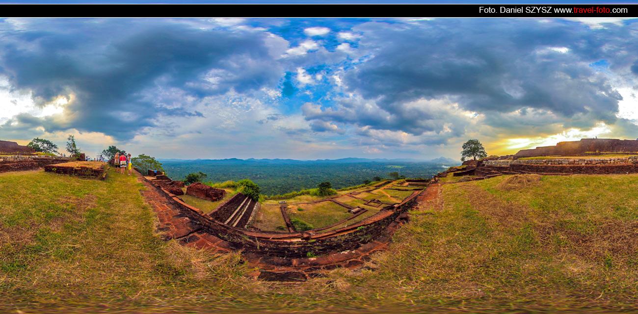 travell-Sigiriya-Sri-lanka-szysz-góra-traveling