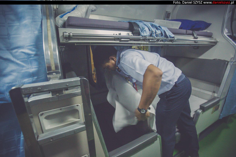nocy-pociag-sypialni-relacji-chiang-mai-bangkok-tajlandia-40
