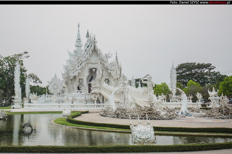 wat-rong-khun-biala-swiatynia-w-tajlandii-005