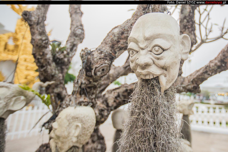 wat-rong-khun-biala-swiatynia-w-tajlandii-020