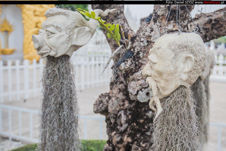 wat-rong-khun-biala-swiatynia-w-tajlandii-021