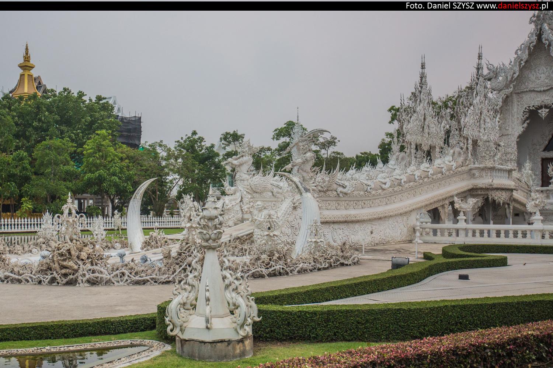 wat-rong-khun-biala-swiatynia-w-tajlandii-036