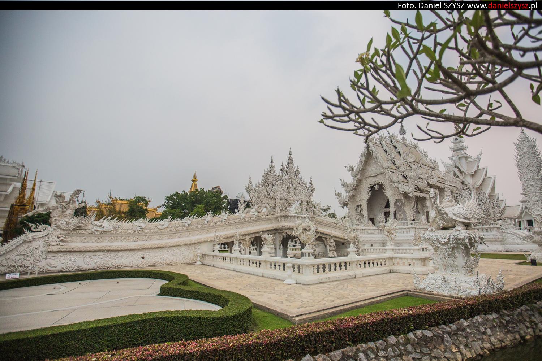 wat-rong-khun-biala-swiatynia-w-tajlandii-039