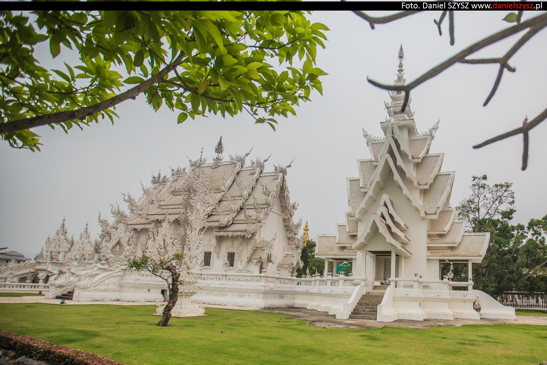wat-rong-khun-biala-swiatynia-w-tajlandii-053