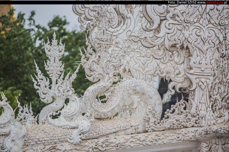 wat-rong-khun-biala-swiatynia-w-tajlandii-079
