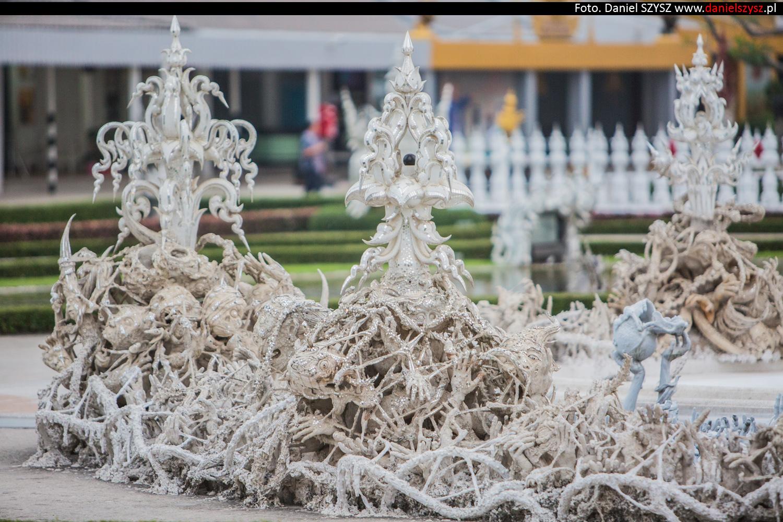 wat-rong-khun-biala-swiatynia-w-tajlandii-081