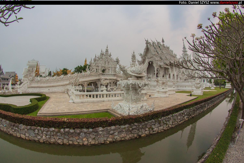 wat-rong-khun-biala-swiatynia-w-tajlandii-78
