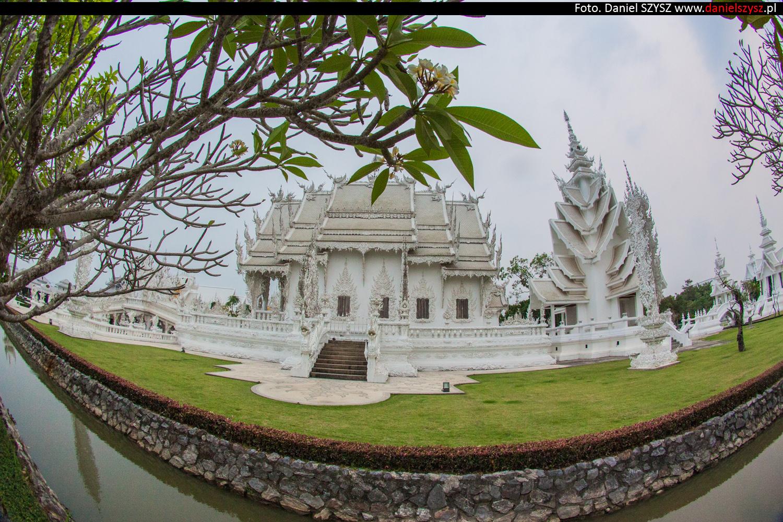 wat-rong-khun-biala-swiatynia-w-tajlandii-82
