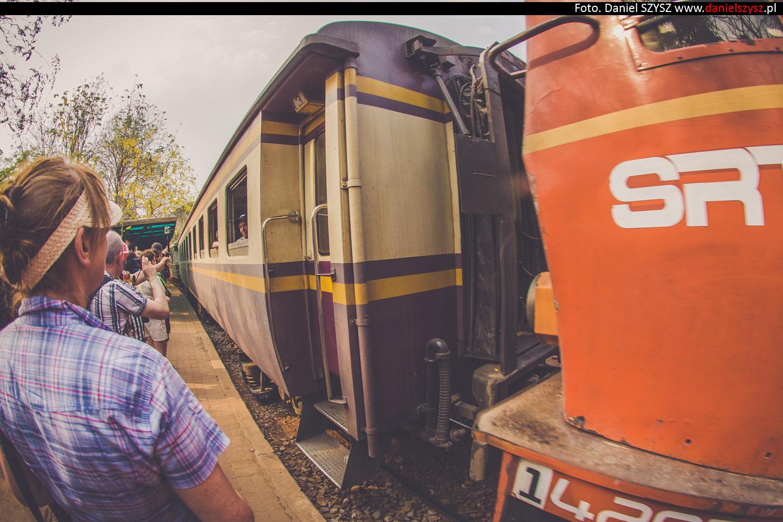 tajlandia-lokalny-pociag-travel-26